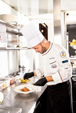 bbadv-ciambra-restaurant-shooting-chef-crostini-impiattamento